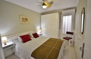 214 Acogedor apartamento con piscina cerca de playa Apartamento  calafat