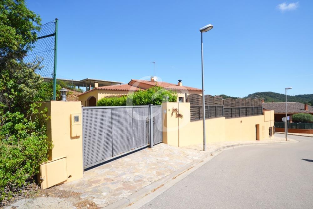 2039 CASA CON PISCINA PRIVADA  Casa aislada Residencial Begur Begur