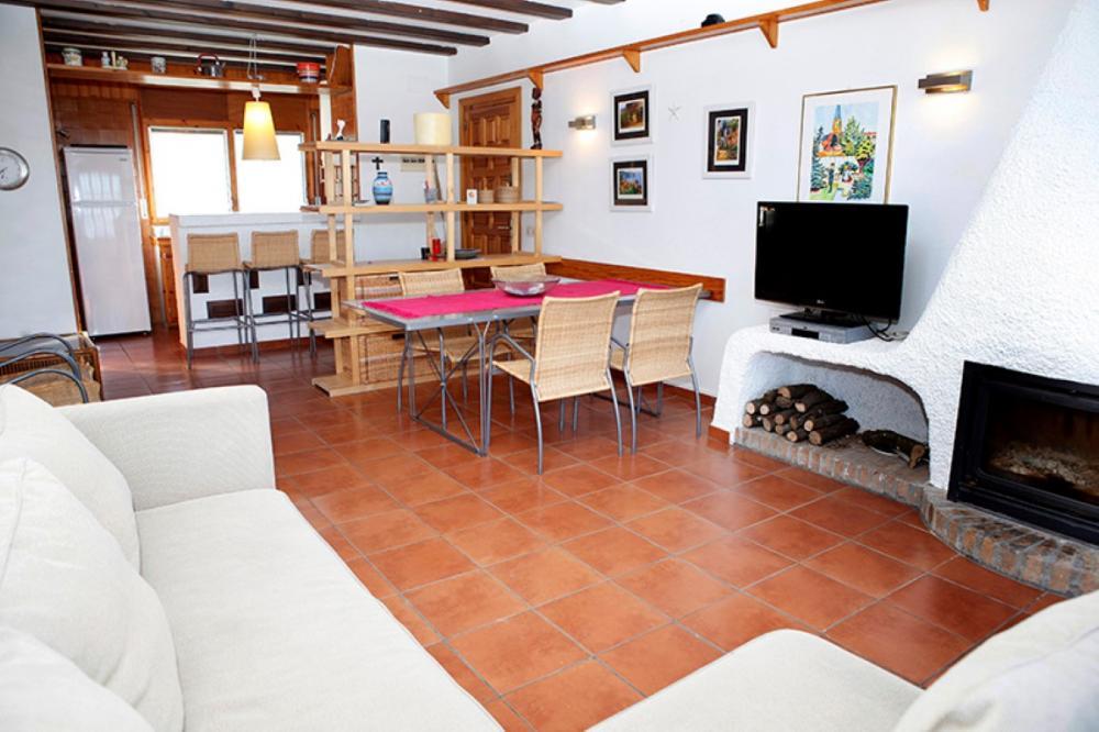 Apartamento de dos habitaciones y terraza con vistas al mar en la zona de Es Caials