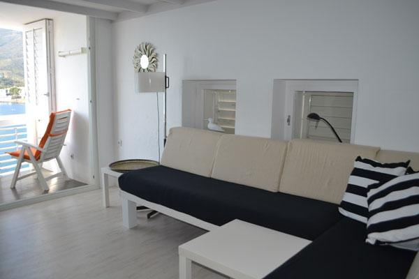 Apartamento de una habitación con terraza y vistas al mar