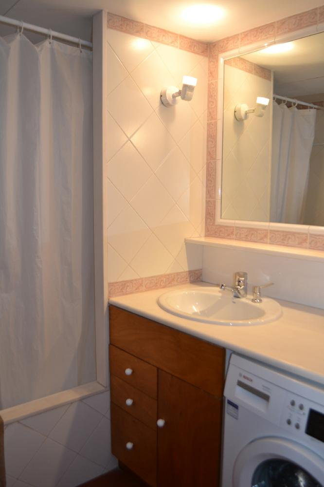 101.12 Port Alguer Apartamento con un dormitorio situado en la playa de Port Alguer. Apartament Port D´alguer Cadaqués