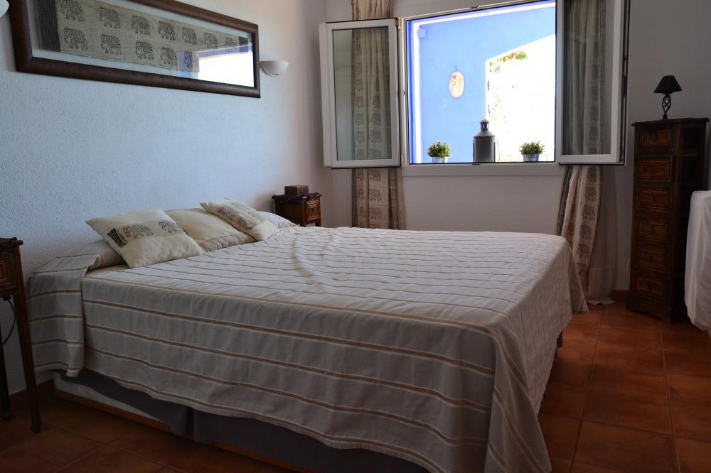 101.15 S'Aguarda - Heretat Apartamento con dos habitaciones y terraza con vistas al mar situado en la Ctra Port Lligat Apartment Carretera Port Lligat Cadaqués