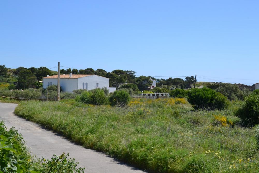 CAIALS Nº 3 Parcela edificable y con vistas al mar situada en la zona de Calais Building plot Caials Cadaqués