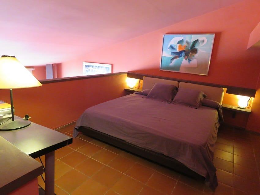 Solitari, 12 Casa de tres plantas con garaje cerca del mar Casa adosada Centre Cadaqués
