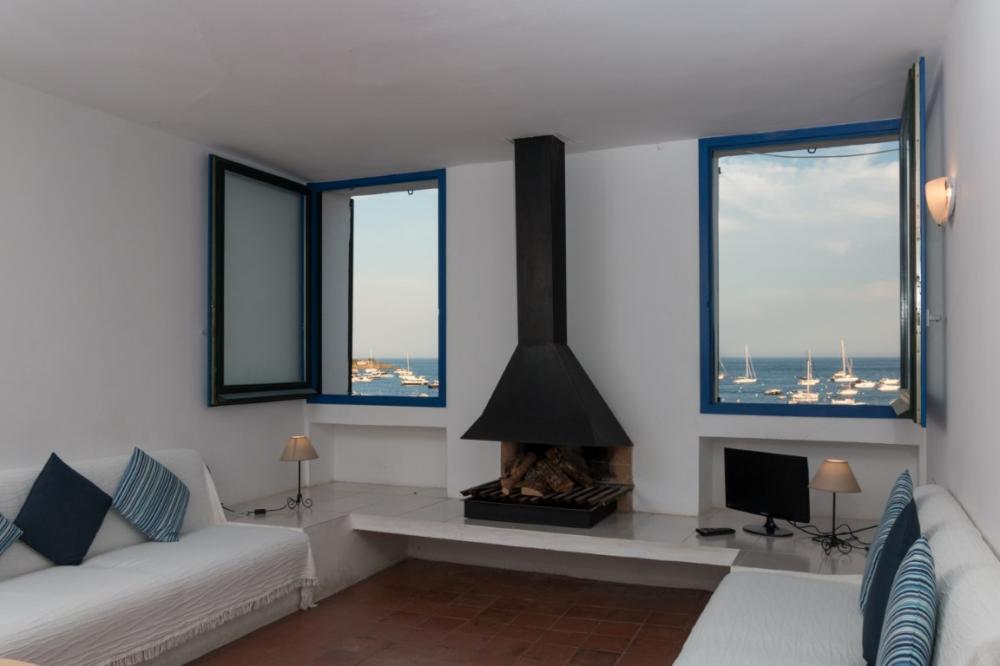101.65 Port Alguer Apartamento renovado con dormitorio en la playa de Port d´Alguer Apartament Port D´alguer Cadaqués