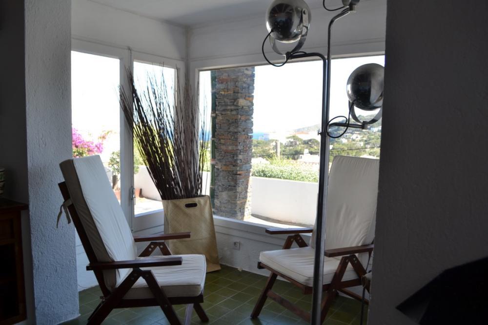 Apartamento de 4 dormitorios con terraza, jardín y vistas al mar