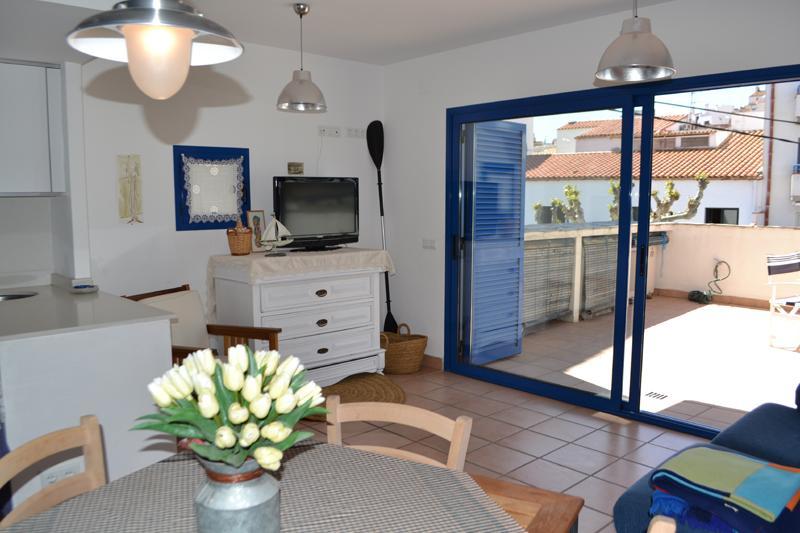 Casa con tres dormitorios y plaza de parking en el centro de Cadaqués