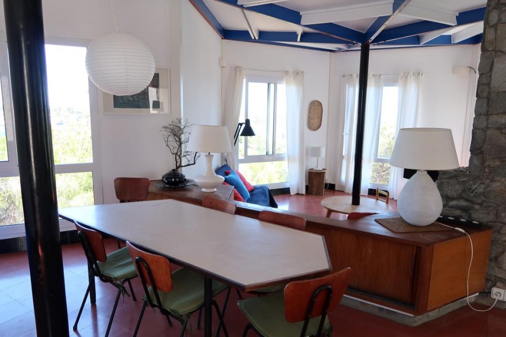 102.20 Sa Conca Casa con tres dormitorios con vistas panorámicas al pueblo y al mar. Casa aïllada Sa Conca Cadaqués