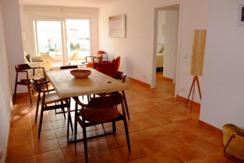 101.61 S Aguarda Heretat Apartamento con dos dormitorios y terraza con vistas al mar Apartamento Carretera Port Lligat Cadaqués
