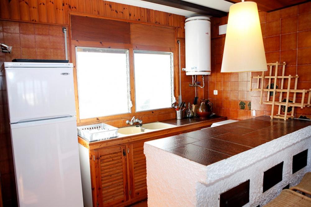 Apartamento con dos habitaciones y terraza con vistas al mar y al Cap de Creus situado en Caials