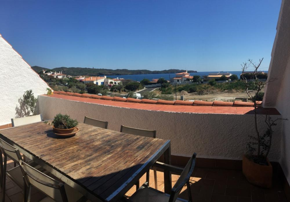 101.79 Caials Apartamento con dos habitaciones y terraza con vistas al mar y al Cap de Creus situado en Caials Appartement Caials Cadaqués