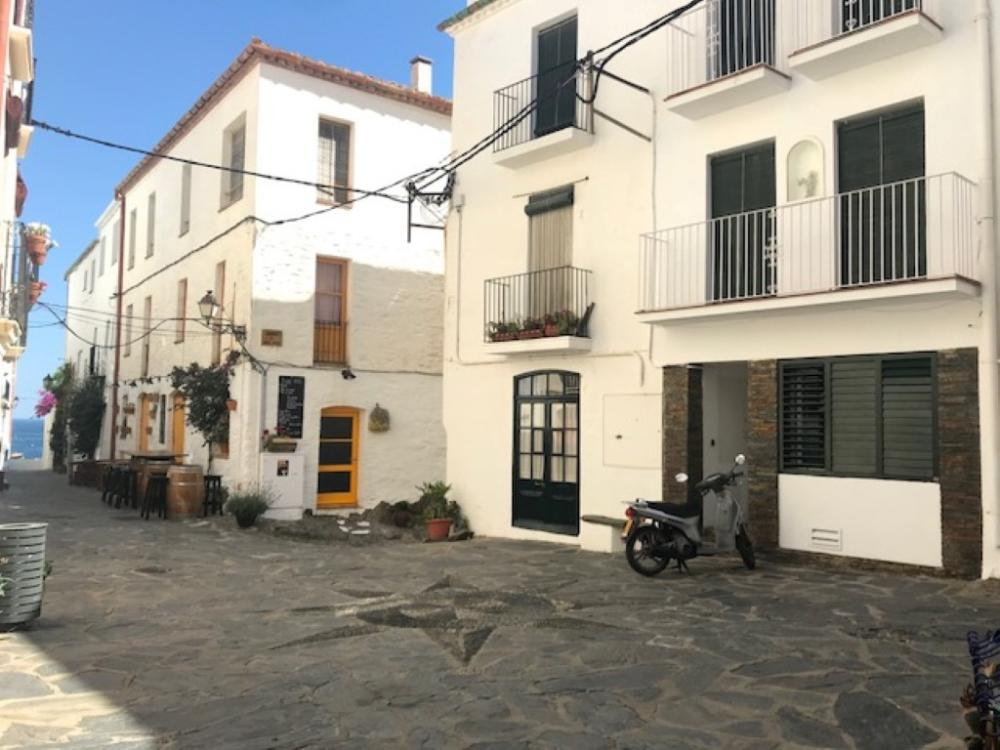 101.117 Casc antic Apartamento en la plaza de la Estrella, casco antiguo. Apartamento Casc Antic Cadaqués