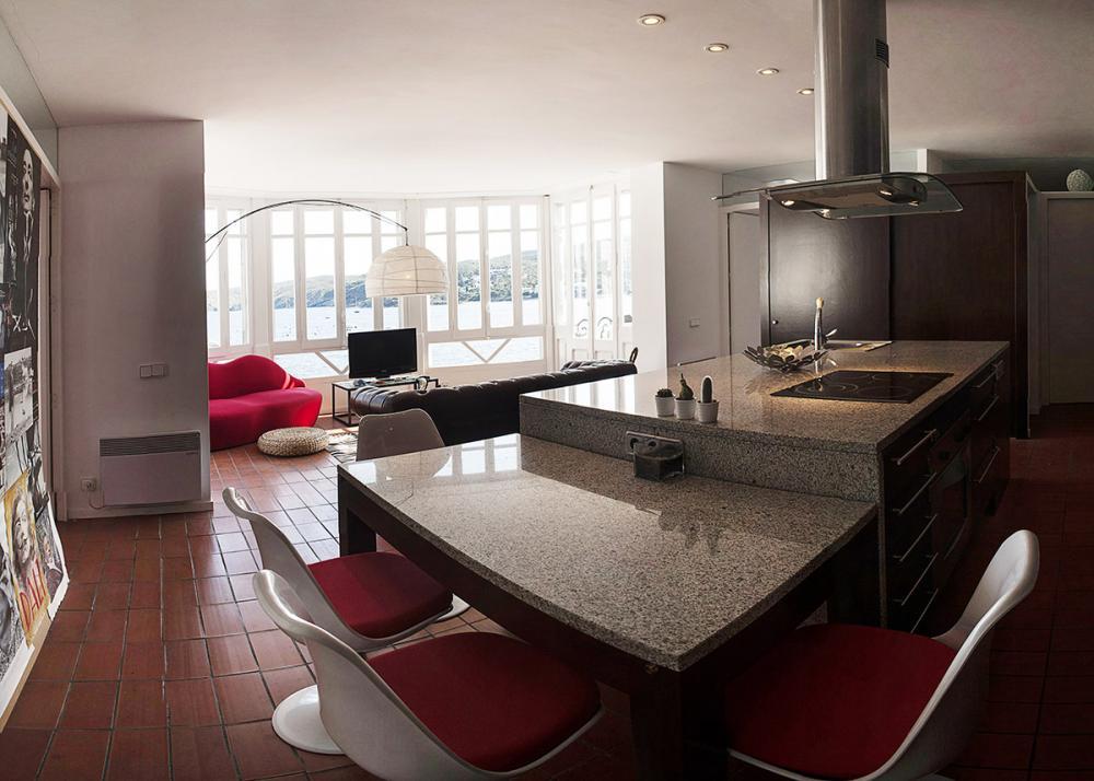 Apartamento con fantásticas vistas al mar.