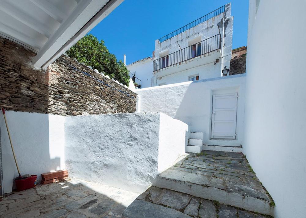 Casa con encanto situada en el casco antiguo del pueblo.