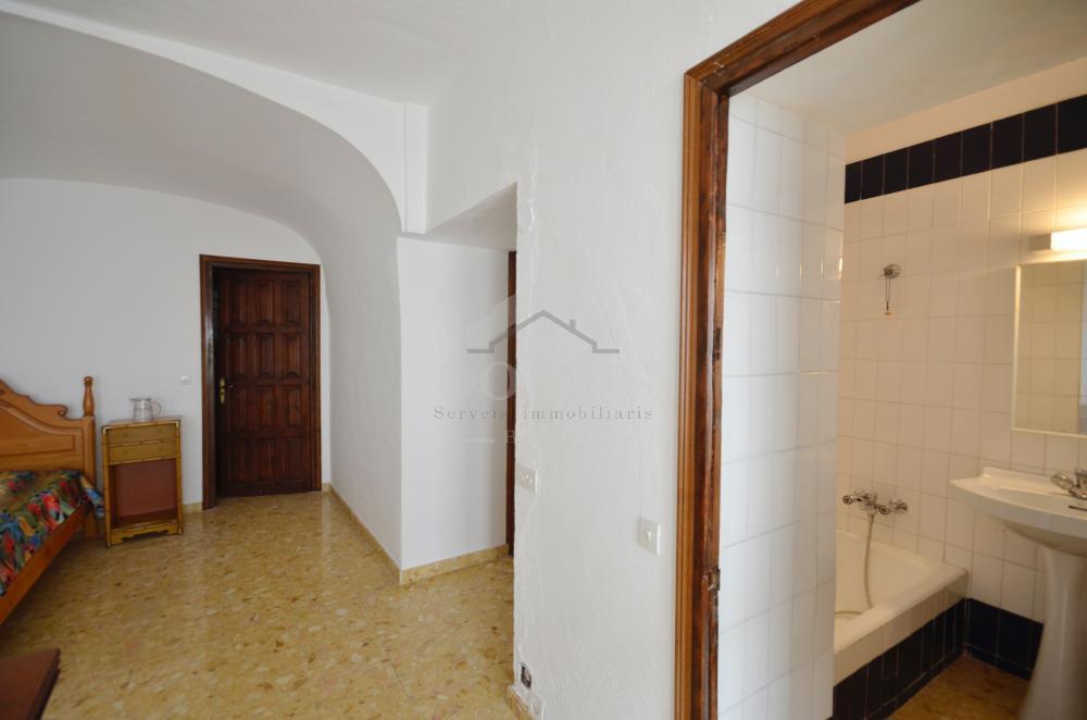 5191 Casa  Reina Village house Centre Begur