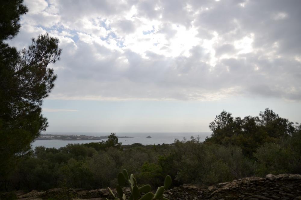 PUJADA DE SANT SEBASTIÀ Parcela situada en la zona tranquila Rec de Palau - Llane, con vista al mar. Building plot Rec De Palau - Llane Cadaqués