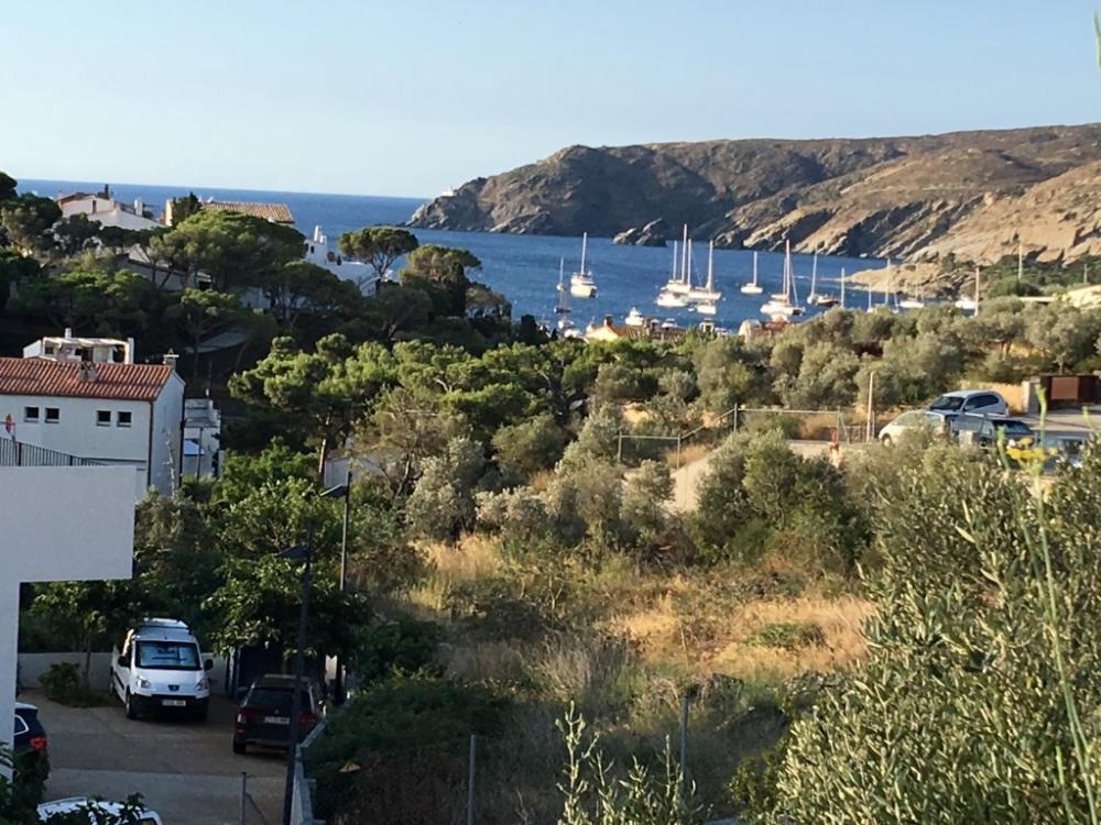 HERETAT 33 Terreno en centro del pueblo con vistas al mar Building plot Heretat Cadaqués