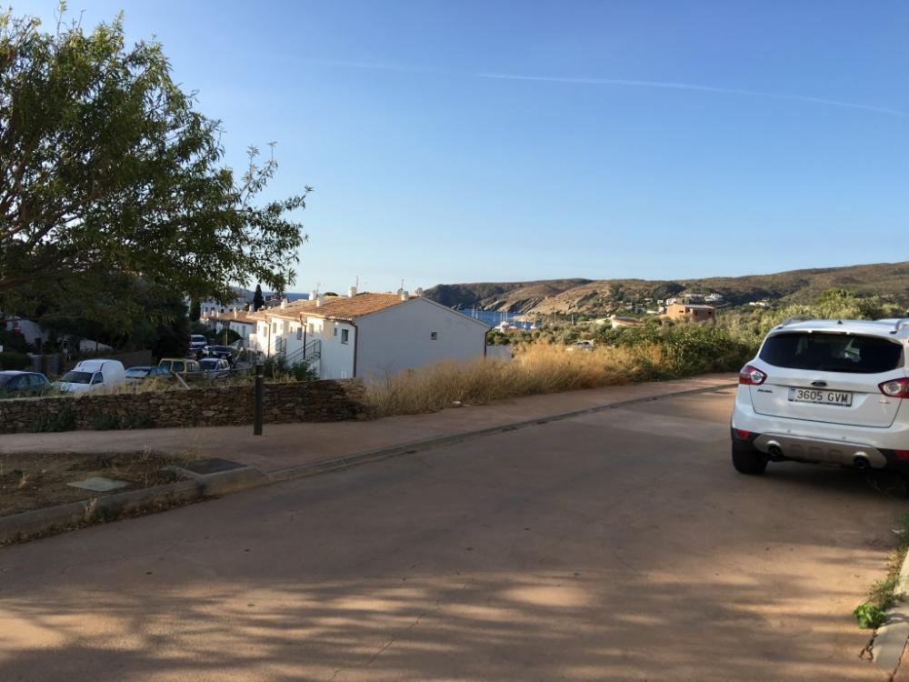 HERETAT 32 Terreno el en centro del pueblo con vistas al mar Terreny Heretat Cadaqués