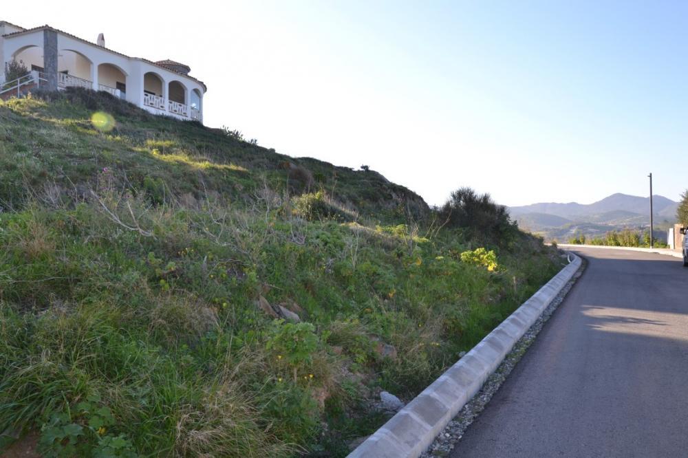 Parcela en Caials con vistas al Cap de Creus y al mar