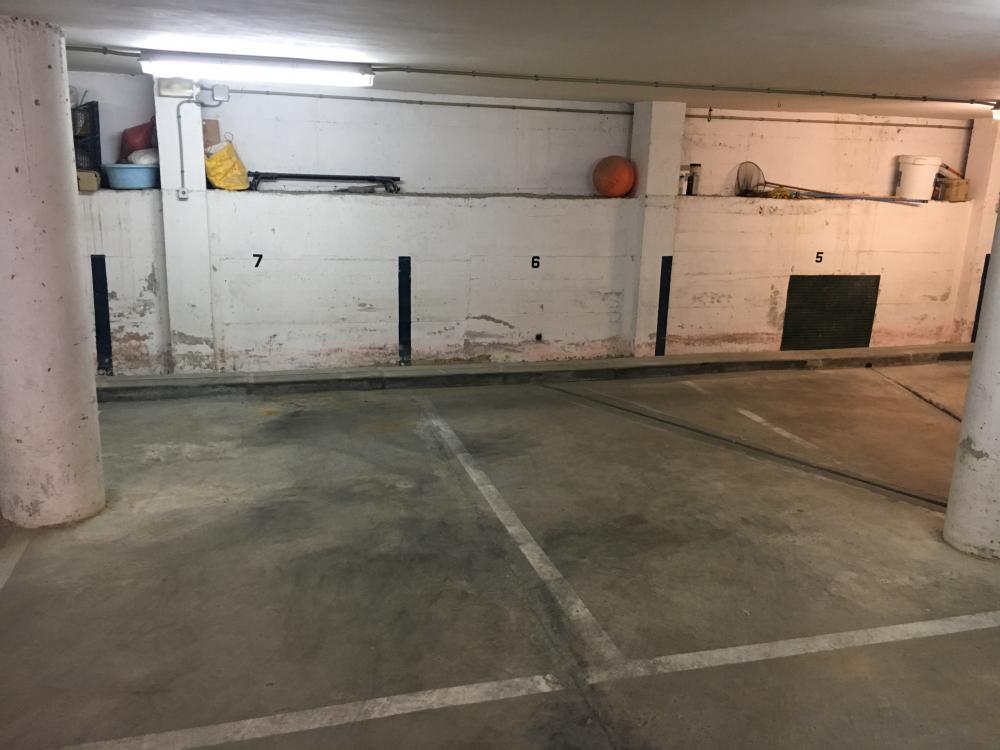 LLUIS TASSIS 6 Plaza de parking cerca de la entrada de Cadaqués Aparcamiento Centre Cadaqués