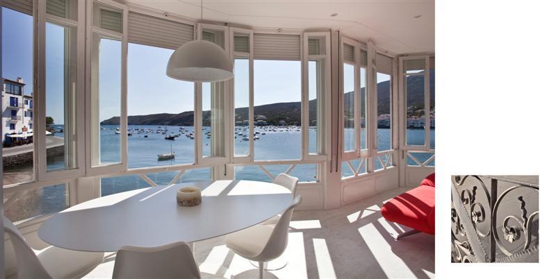 ES POAL 1ª LINEA Apartamento situado en un edificio modernista a primera línea de mar, delante de la Playa d'Es Poal. Appartement Es Poal Cadaqués