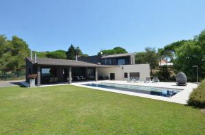 Villa For Sale With Swimming Pool In Begur Ref   Domus Begur