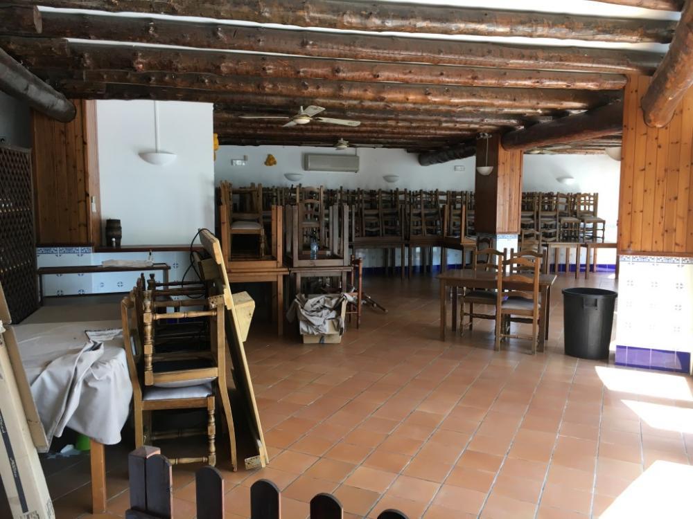 MIQUEL ROSSET  Local habilitado para hostelería. Espacio comercial