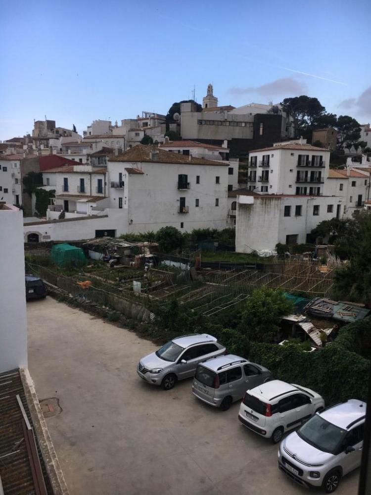 CARITAT SERINYANA Apartamento en el centro. Apartamento
