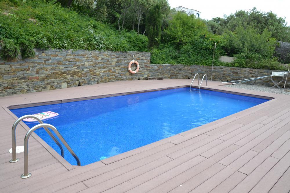 LLUIS AZNAREZ Casa de 3 habitaciones con piscina comunitaria Casa adosada  Cadaqués