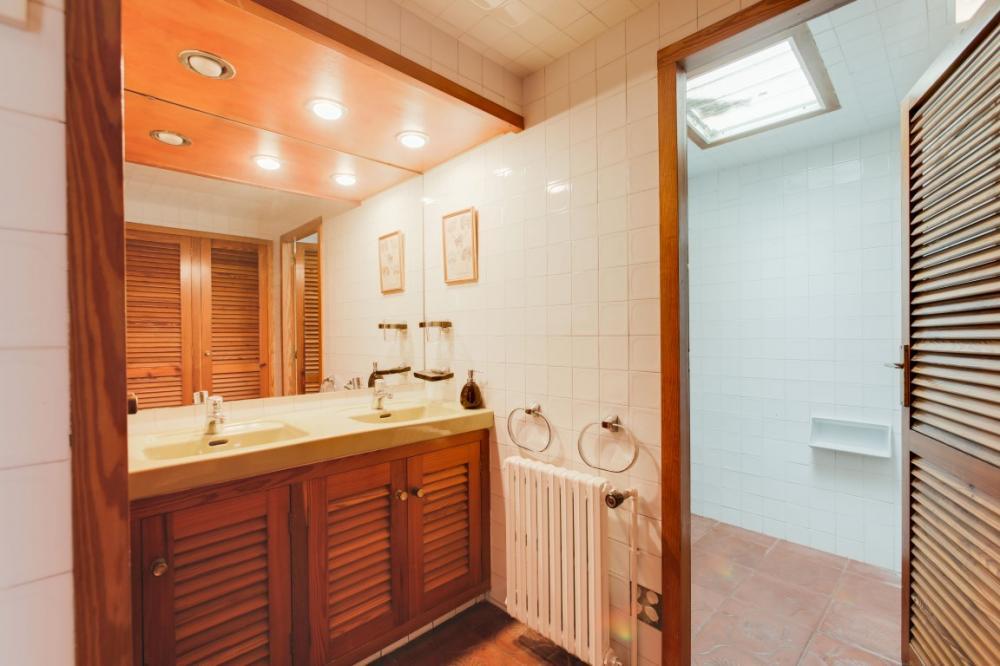 102.01 Pampaconills Casa con 7 habitaciones y 4 baños. Casa aislada Oliveres Cadaqués