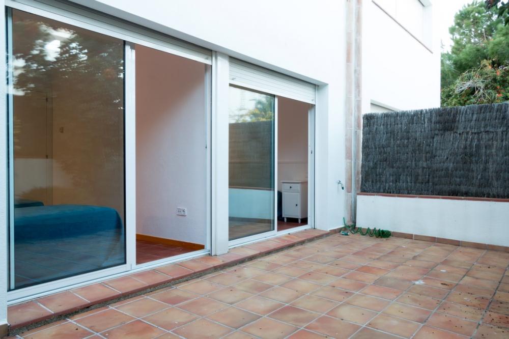 CAIALS BAIXOS 11 Apartamento planta baja Apartamento