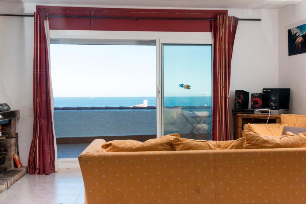 Apartamento con vistas al mar. Apartamento