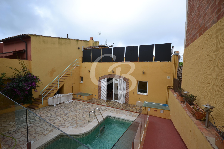 A2104 CASA REFORMADA EN EL CENTRO DE BEGUR CON PISCINA Village house Centre Begur