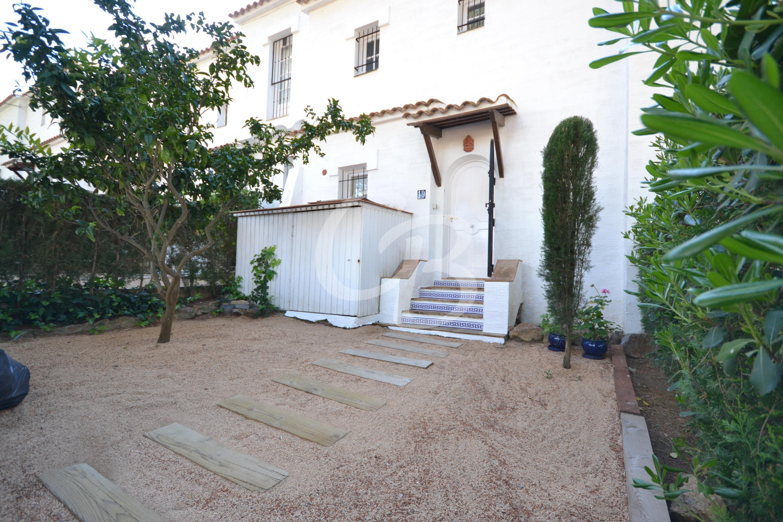 702 CASA ADOSADA CON PISCINA COMUNITARIA Semi-detached house Golf de Pals Pals