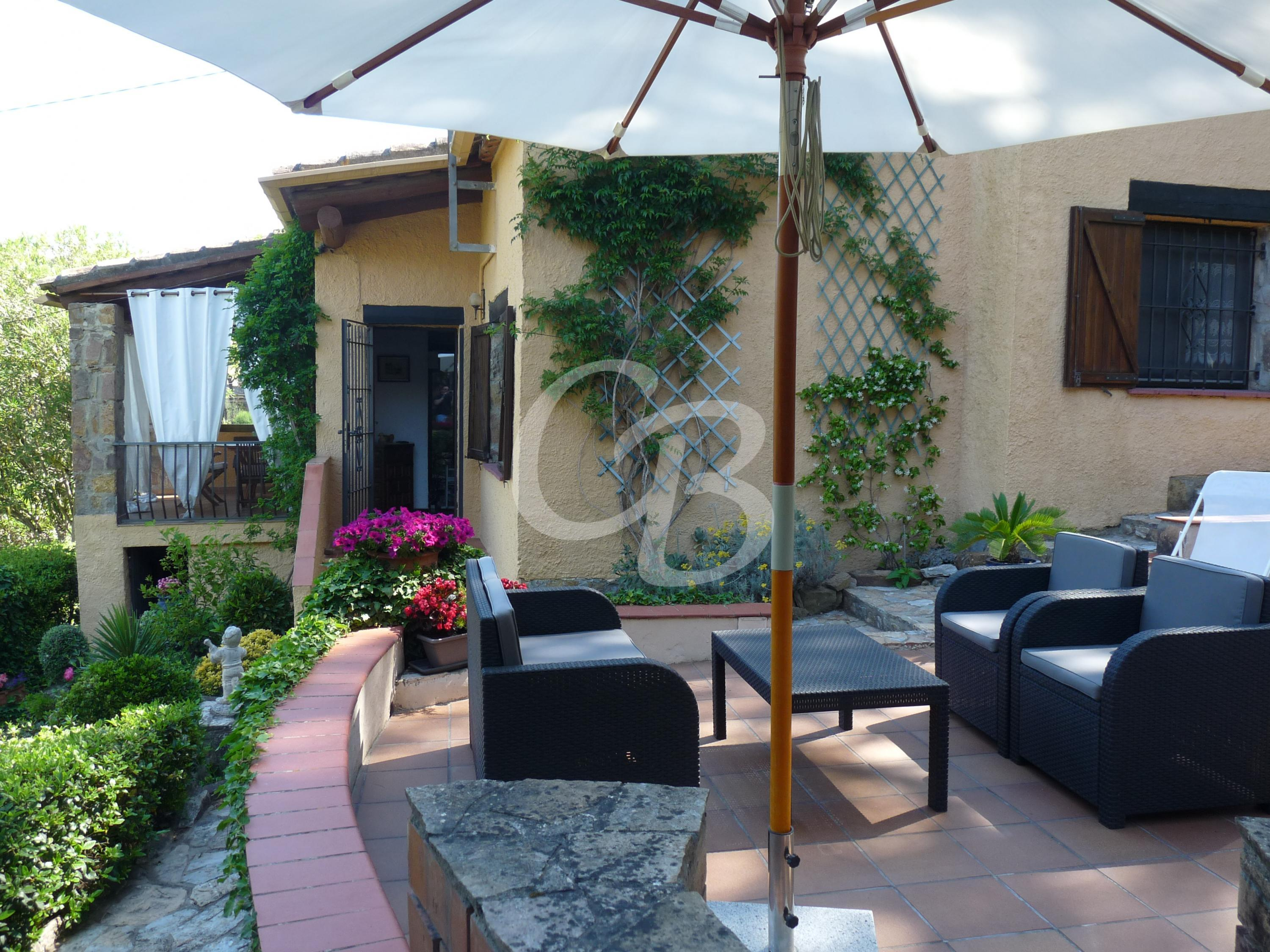 2112 CASA CON AMPLIO JARDIN EN RESIDENCIAL BEGUR Detached house  Begur