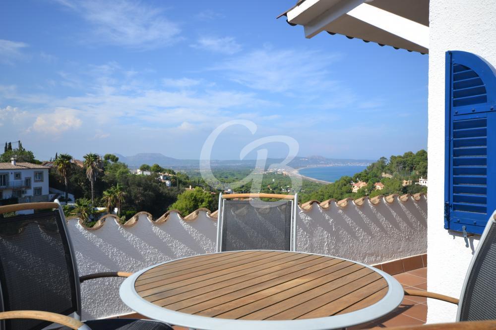 A2110 CASA ADOSSADA AMB VISTES A LA PLATJA DE PALS Casa adosada Sa Punta Begur