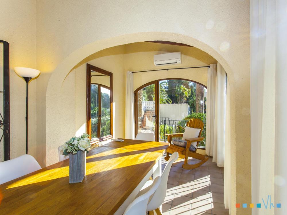 078 FLORES Отдельный дом / Villa Alicante BENISSA
