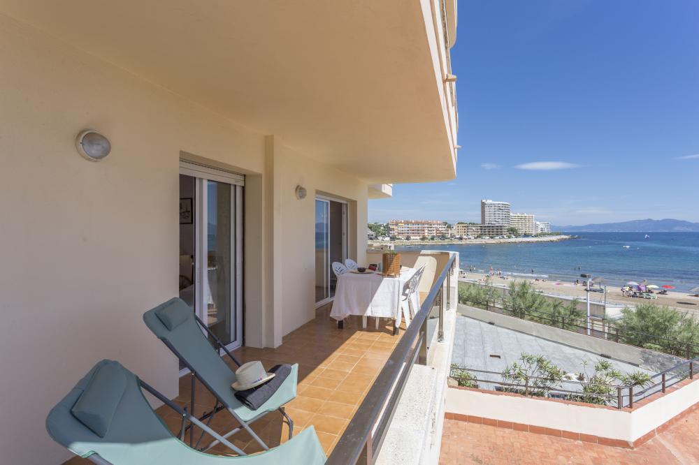 BLANC CANIGO 2 BLANC CANIGÓ 2 Apartment Riells platja L'Escala