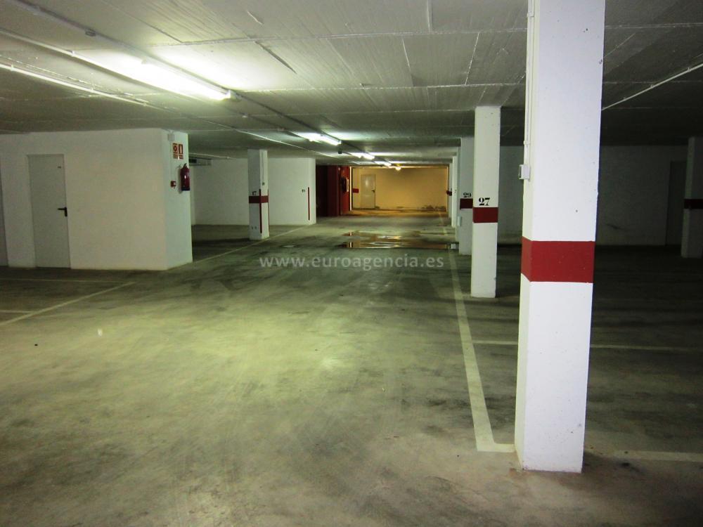 602 PLAZA DE PARKING DOBLE + TRASTERO Aparcamiento Zona centre Sant Antoni de Calonge