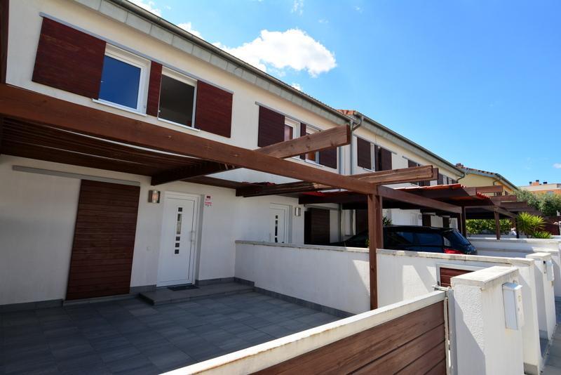 ARROCA13M Rosalia de Castro 13, casa M Casa adosada El Francaset Roda de Barà
