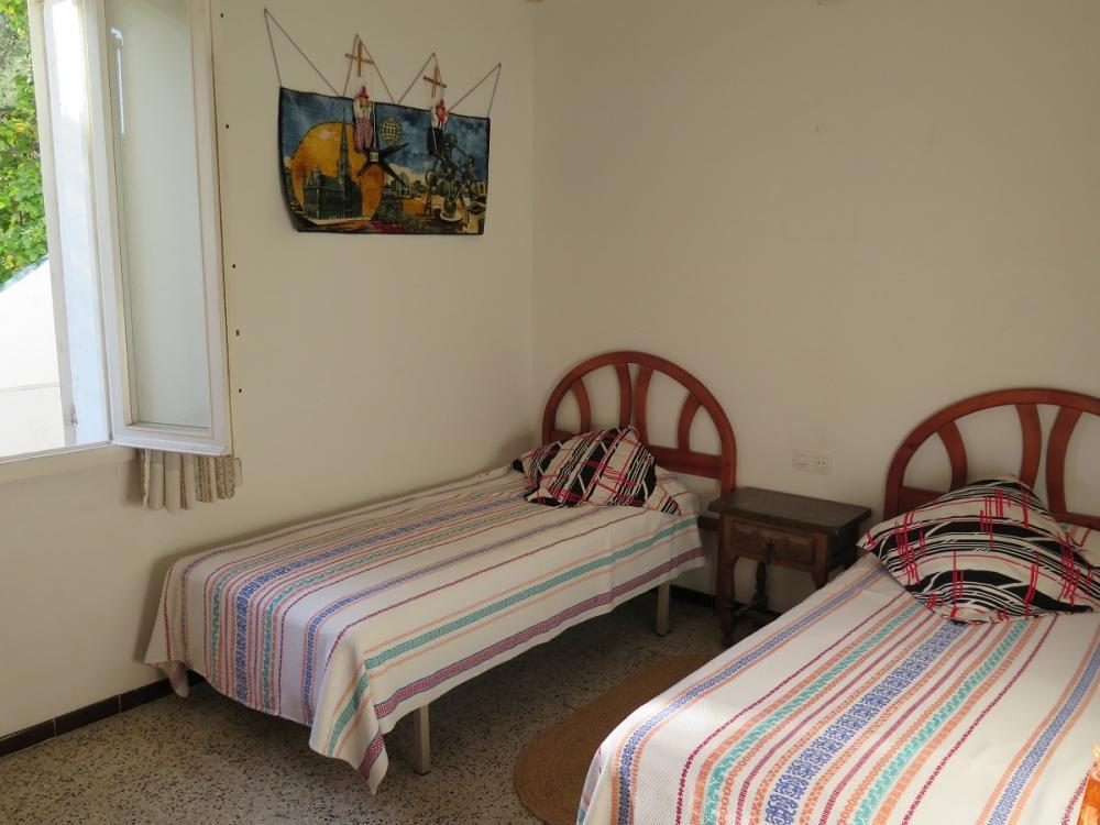 EP-19010 Casa assolellada amb ampli jardi i vistes al poble Casa adosada  Cadaqués