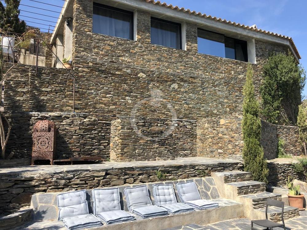 EP-19013 Casa de caràcter dalinià amb vistes al mar i piscina Casa aïllada / Villa  Cadaqués