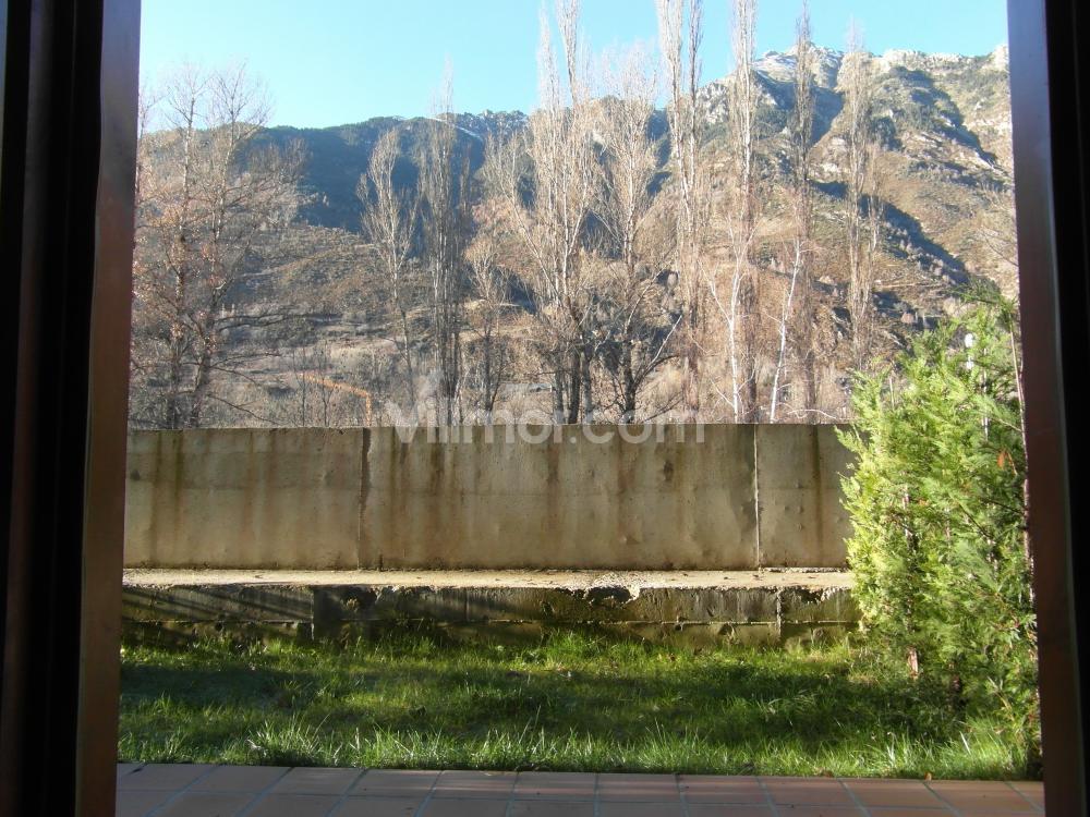 B25 B25 La Granja, Bajo con Jardín Apartamento  Benasque