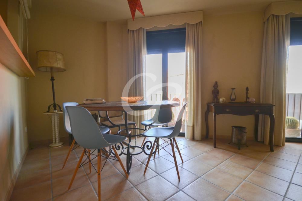 1070 APARTAMENTO CON PARKING Y TRASTERO EN BEGUR Apartamento Centre Begur