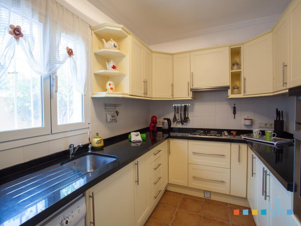 Villa para alquilar en Benissa, cocina totalmente equipada