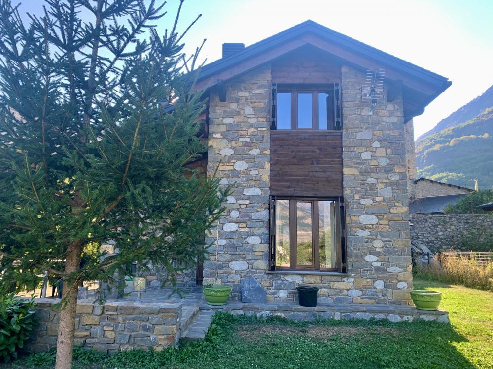 17 Chalet Mincholet Casa / Chalet  Eriste
