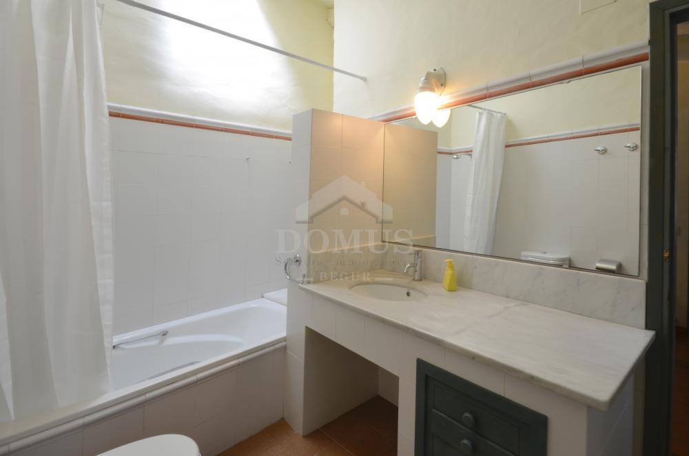 5162 CASTELL Maison de village Centre Begur