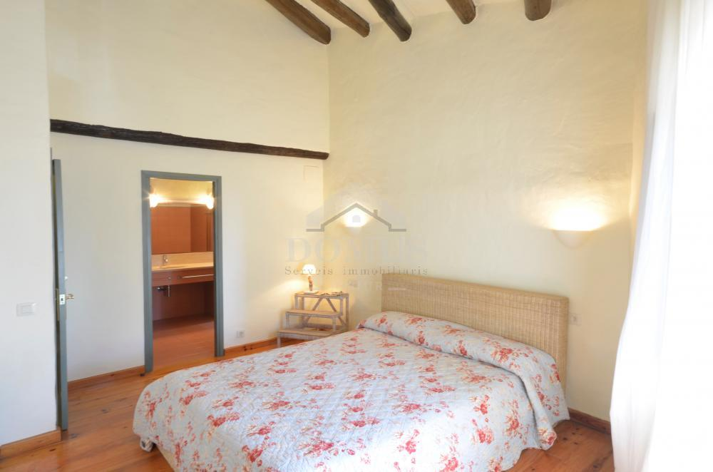 5162 CASTELL Village house Centre Begur