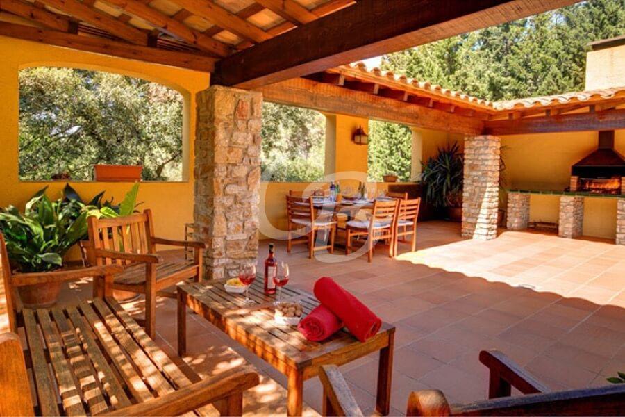 405 Casa en alquiler en Sa Riera. Capacidad 6 personas. Piscina privada.