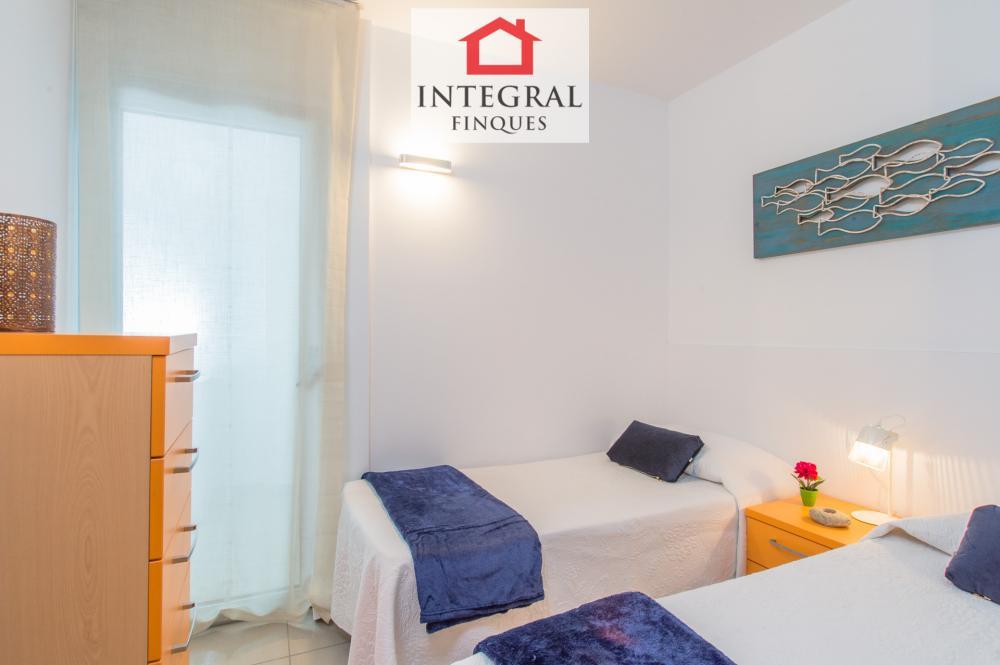 Habitación doble con dos camas individuales.